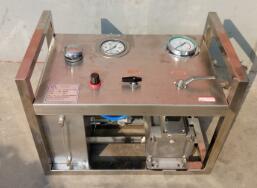 井盖压力试验机有哪些特点与工作条件以及金属拉力机的维护与保养你知道多少